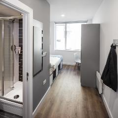 room with en-suite
